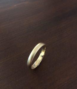 ホーニング仕上げの結婚指輪