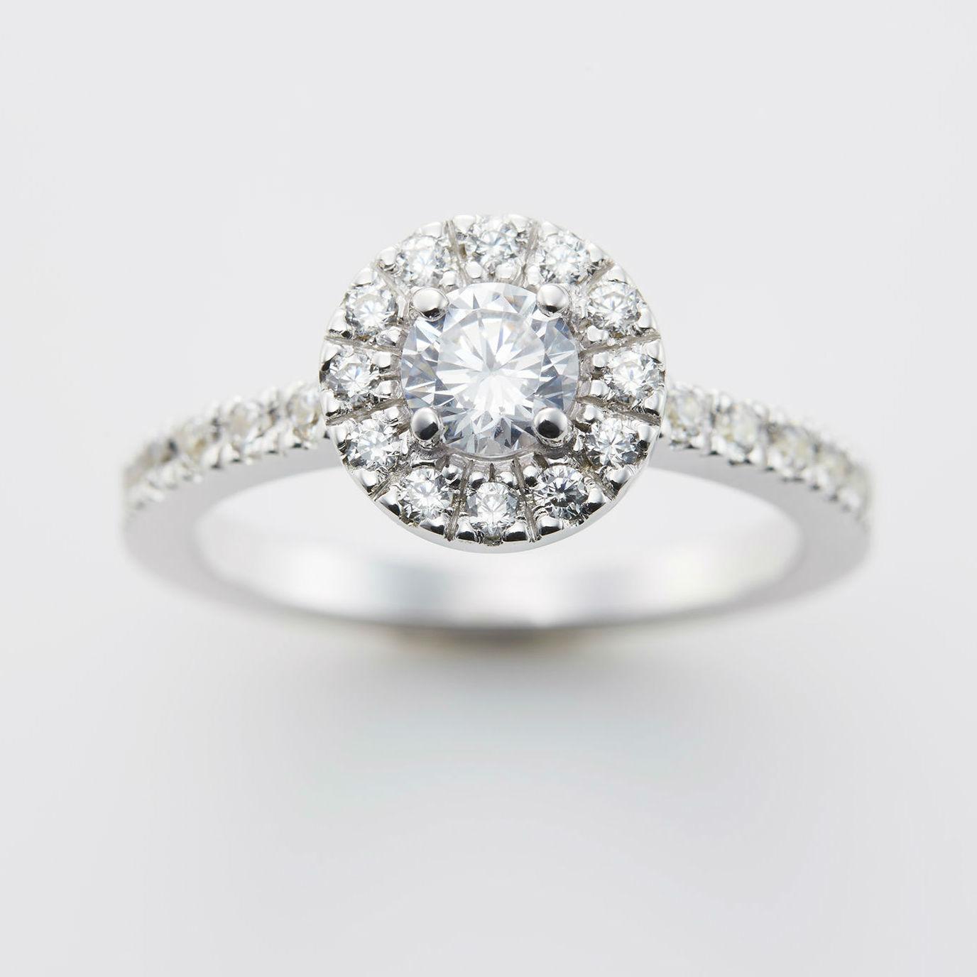 取り巻きダイヤモンドが美しい婚約指輪ブランド