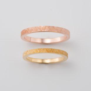 彫り加工の結婚指輪