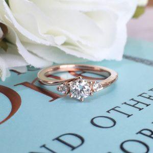 ピンクゴールド 婚約指輪