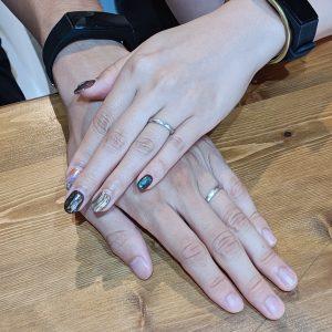 お客様 結婚指輪 手