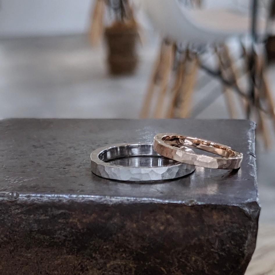 槌目デザインの結婚指輪・マリッジリング