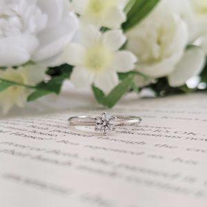 ソリテール 婚約指輪