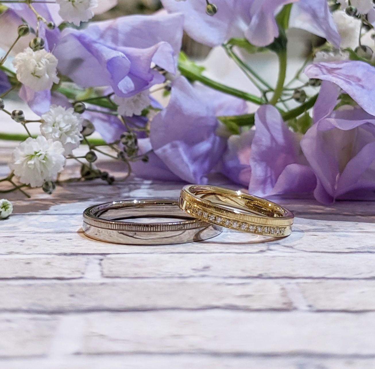 ダイヤモンドをあしらったデザイン違いの結婚指輪