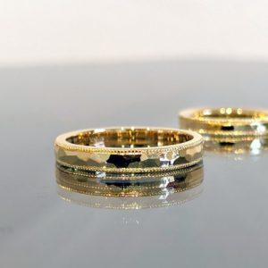 鎚目加工の結婚指輪