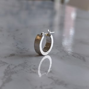 婚約指輪のお返しは必要?オーダーメイドで贈るファッションジュエリー