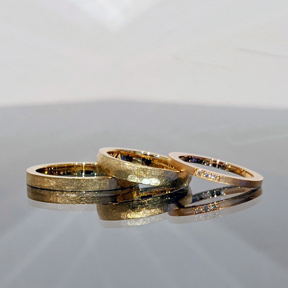 アレンジをたくさん楽しんだ婚約指輪と結婚指輪