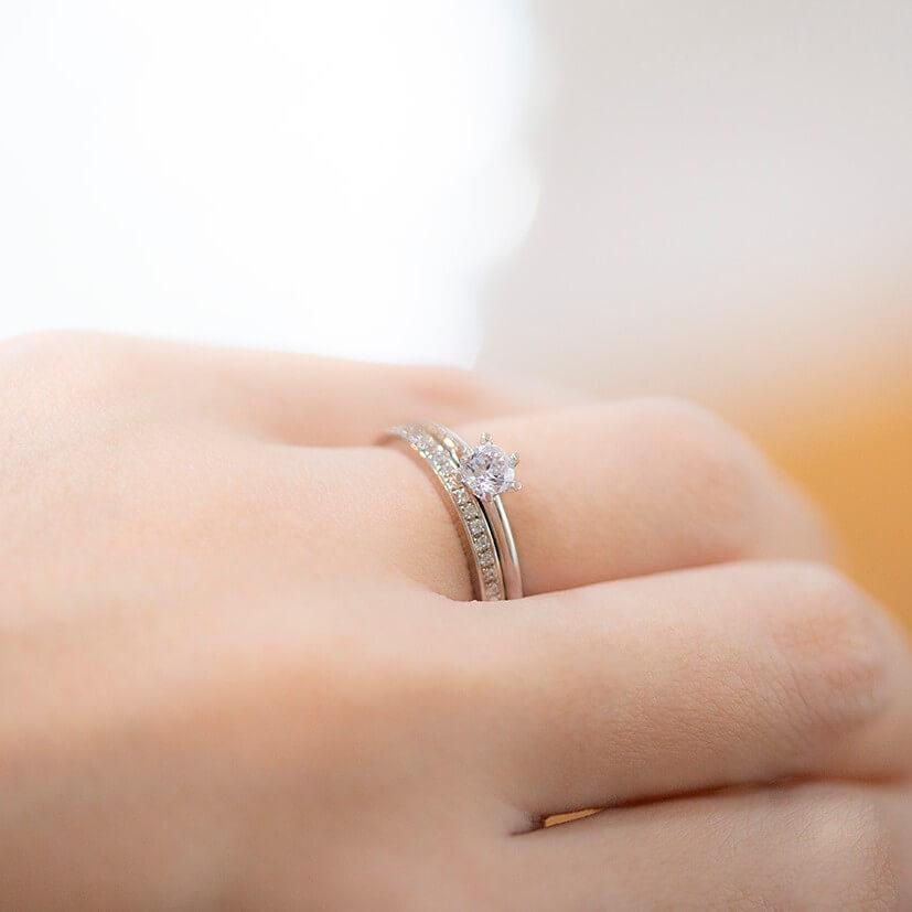 結婚指輪の重ね付けについて|最適なデザインとは