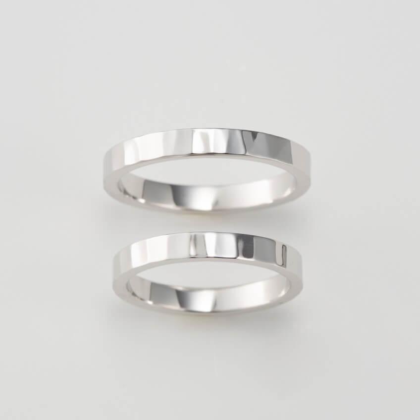 鎚目のプラチナの結婚指輪