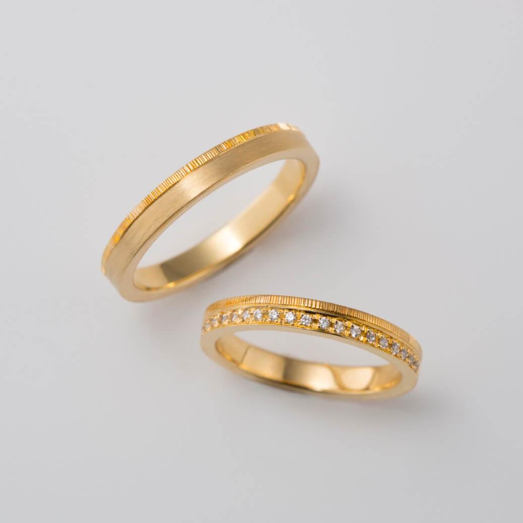 ハーフエタニティのストレートの結婚指輪