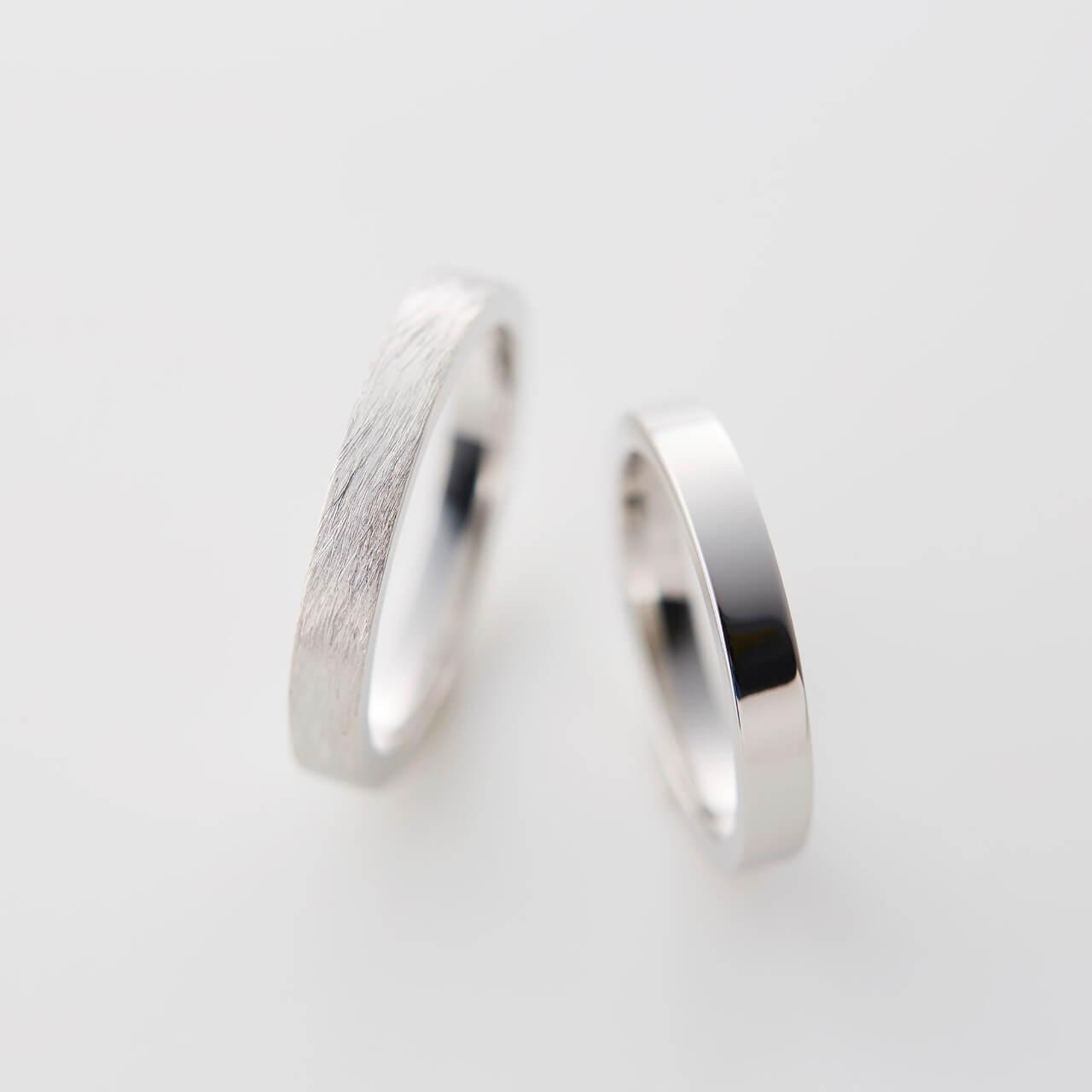 プラチナの平打ちストレートの結婚指輪