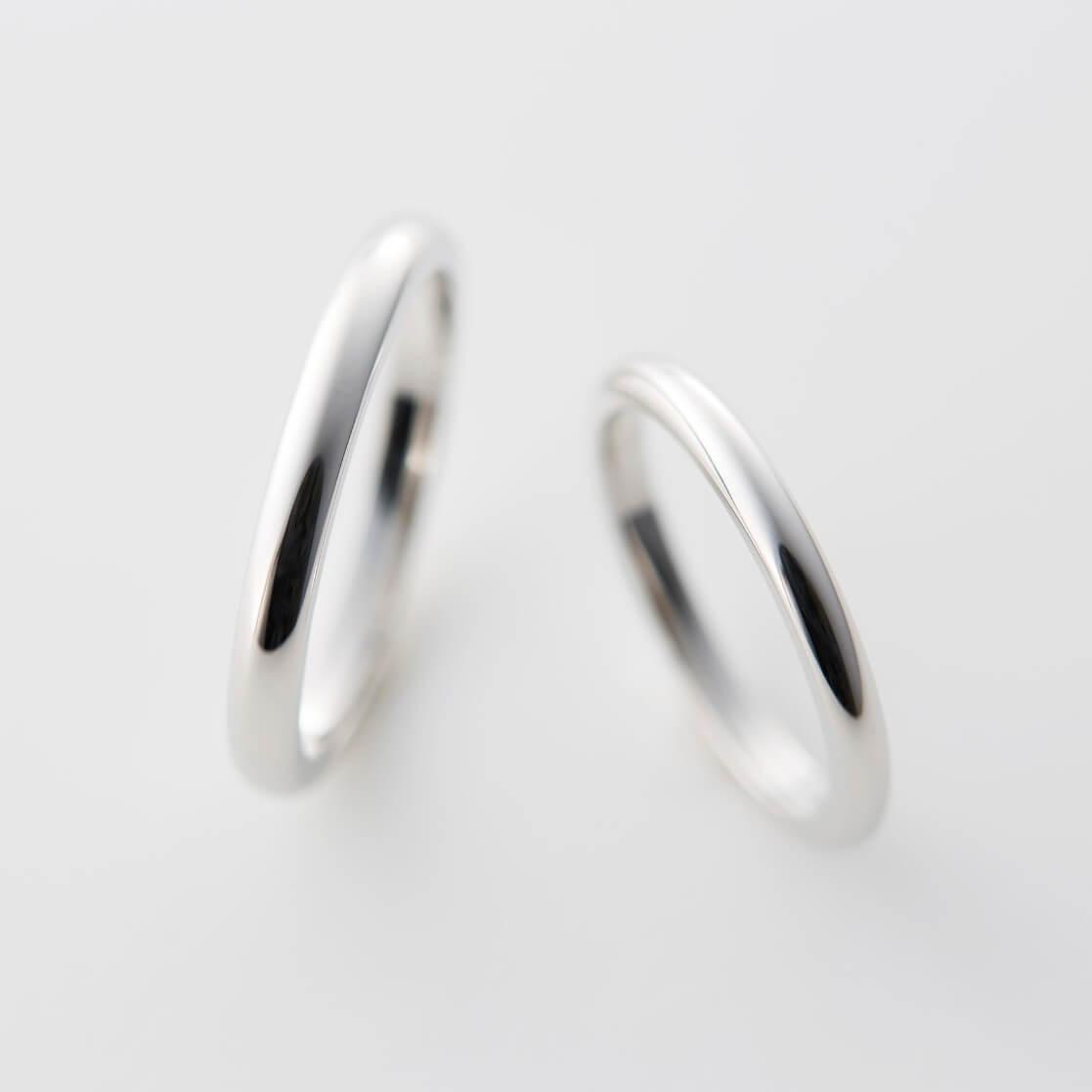 プラチナのストレートの結婚指輪