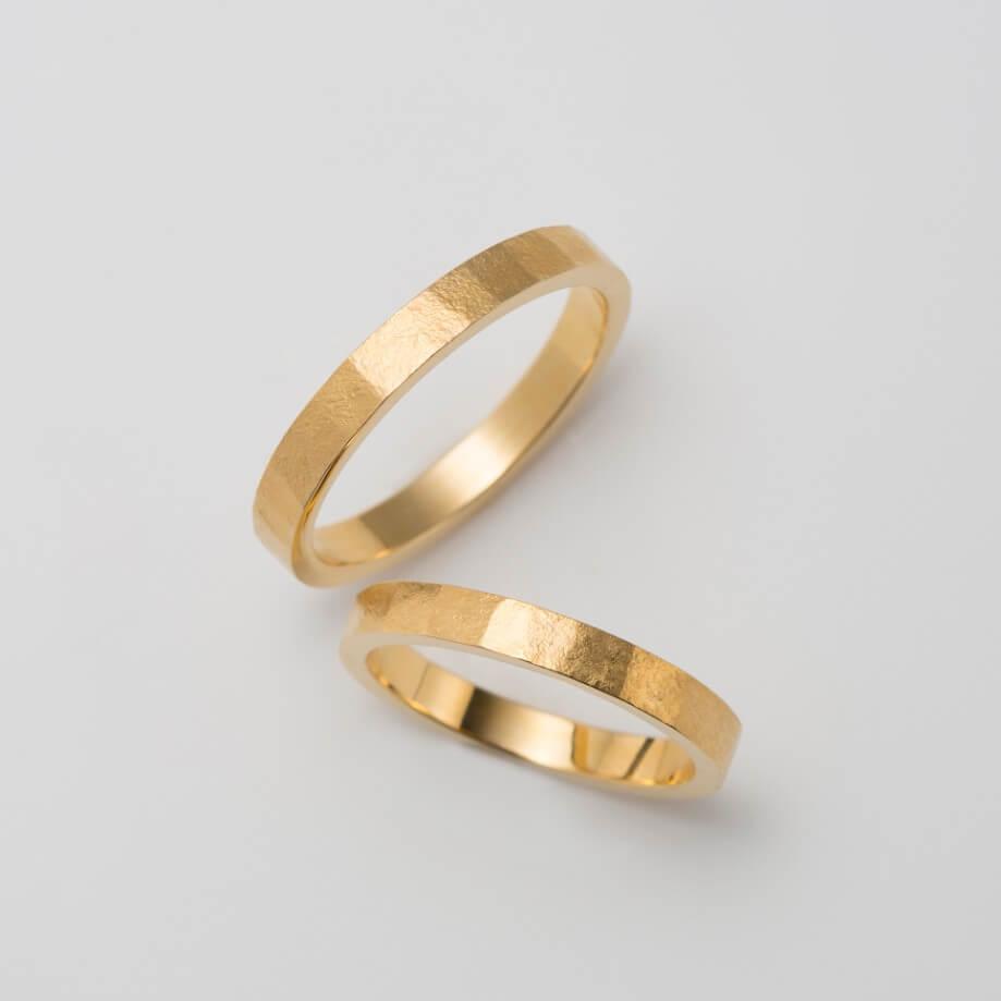マット(つや消し)加工のストレートの結婚指輪