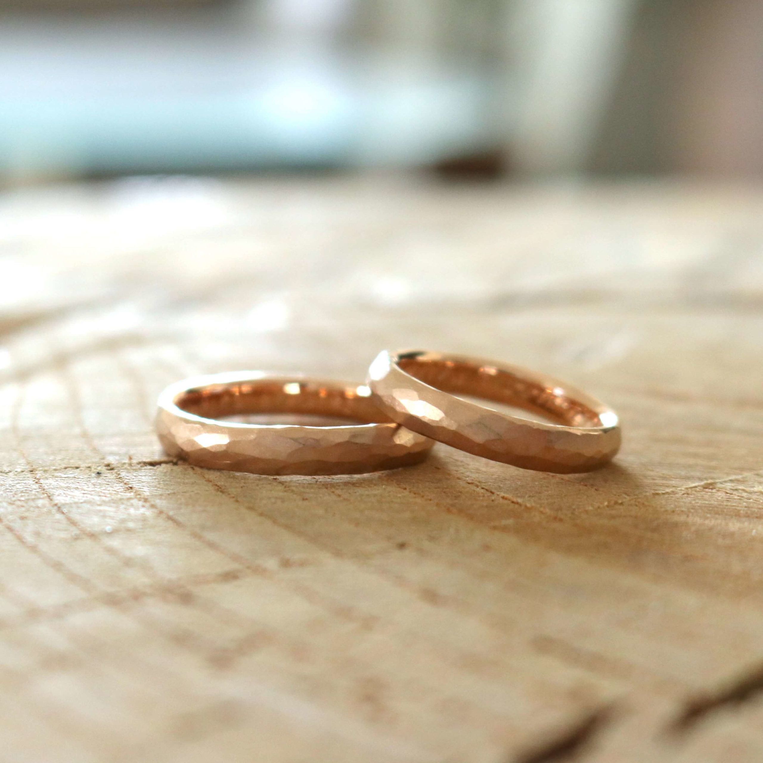 鎚目の結婚指輪