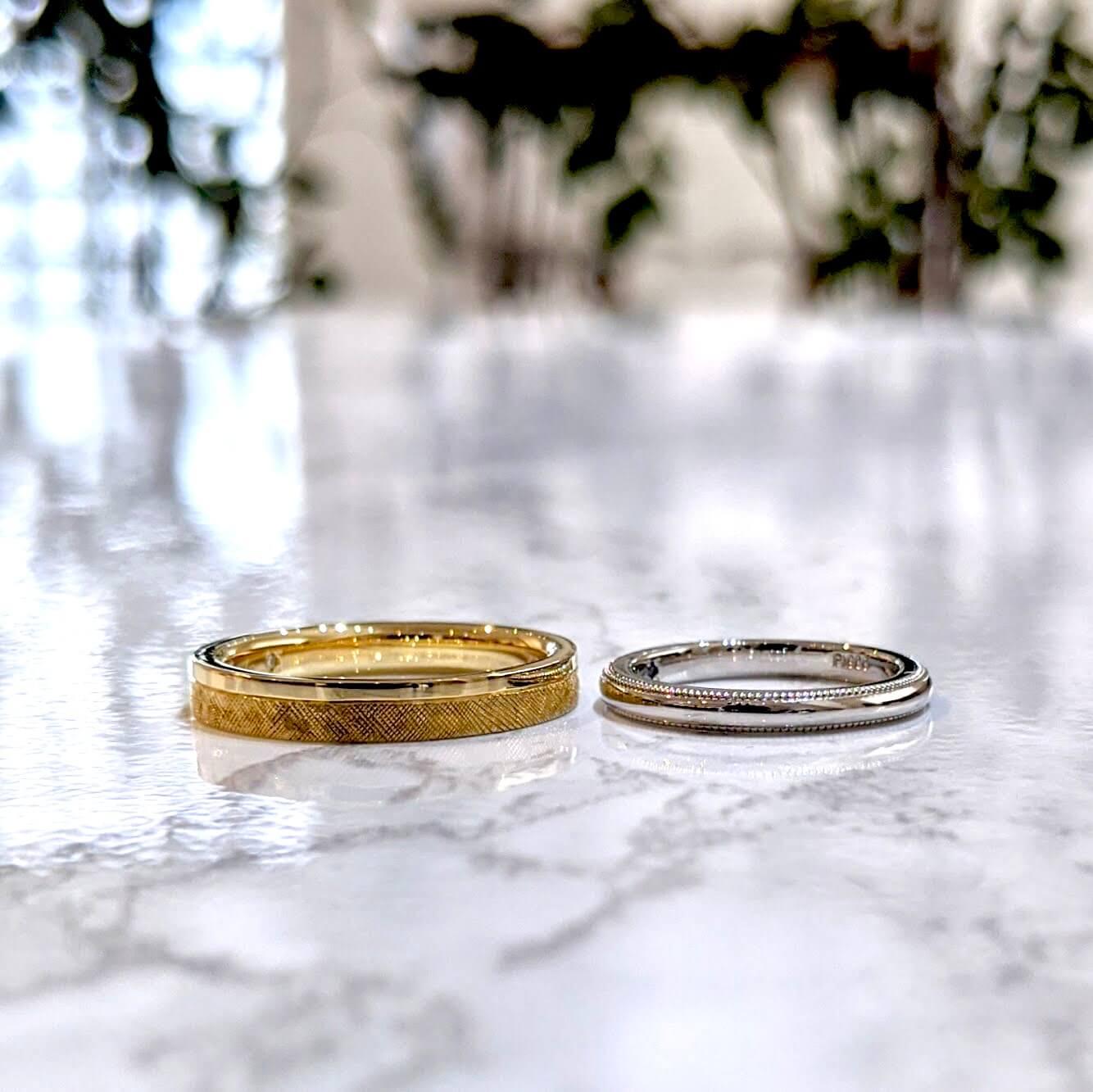 ストレートフォルムの結婚指輪|テクスチャーやデザインの紹介