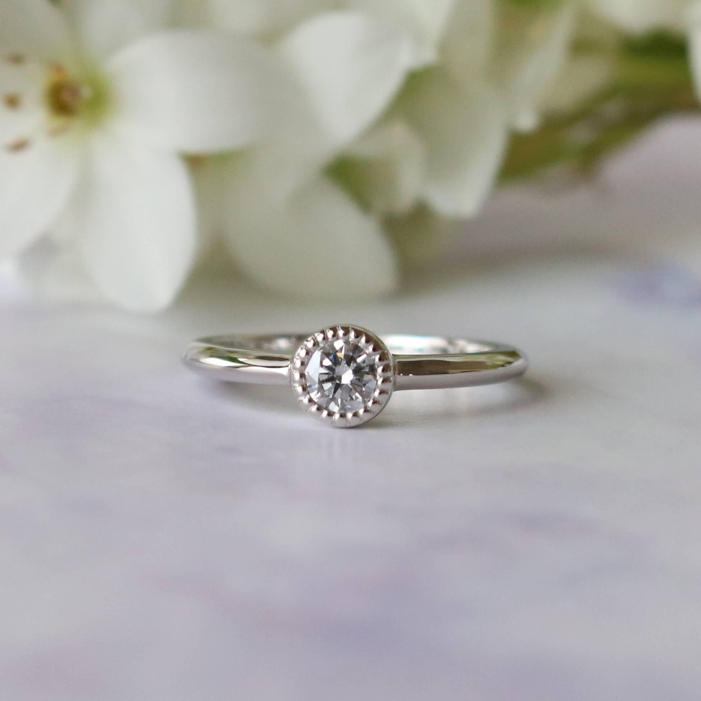 アンティーク調の婚約指輪
