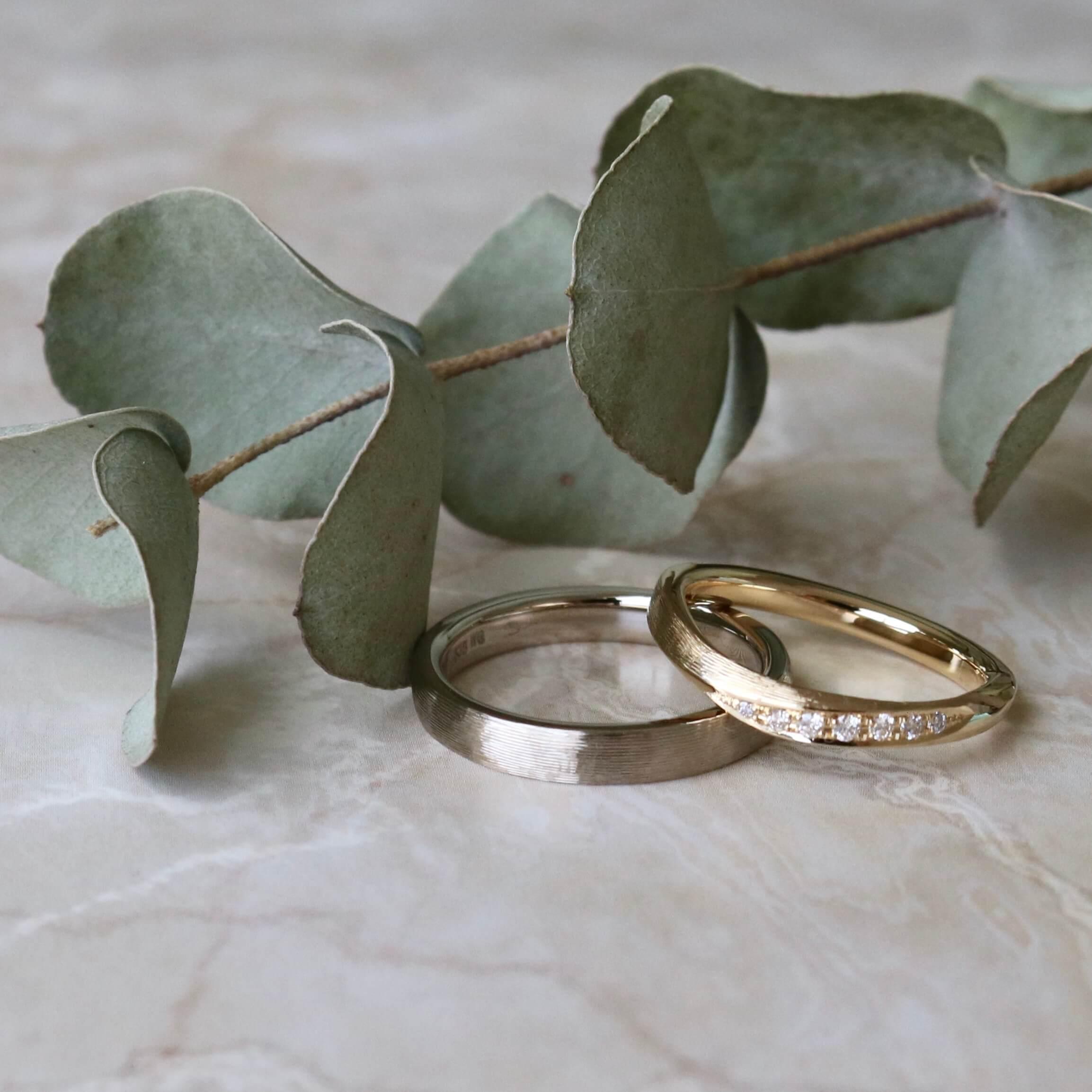 イエローゴールドとホワイトゴールドの結婚指輪