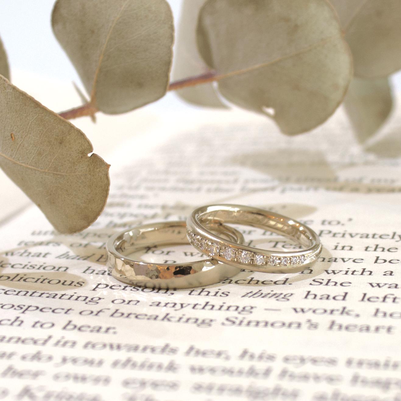 オーダーメイドのホワイトゴールドの結婚指輪