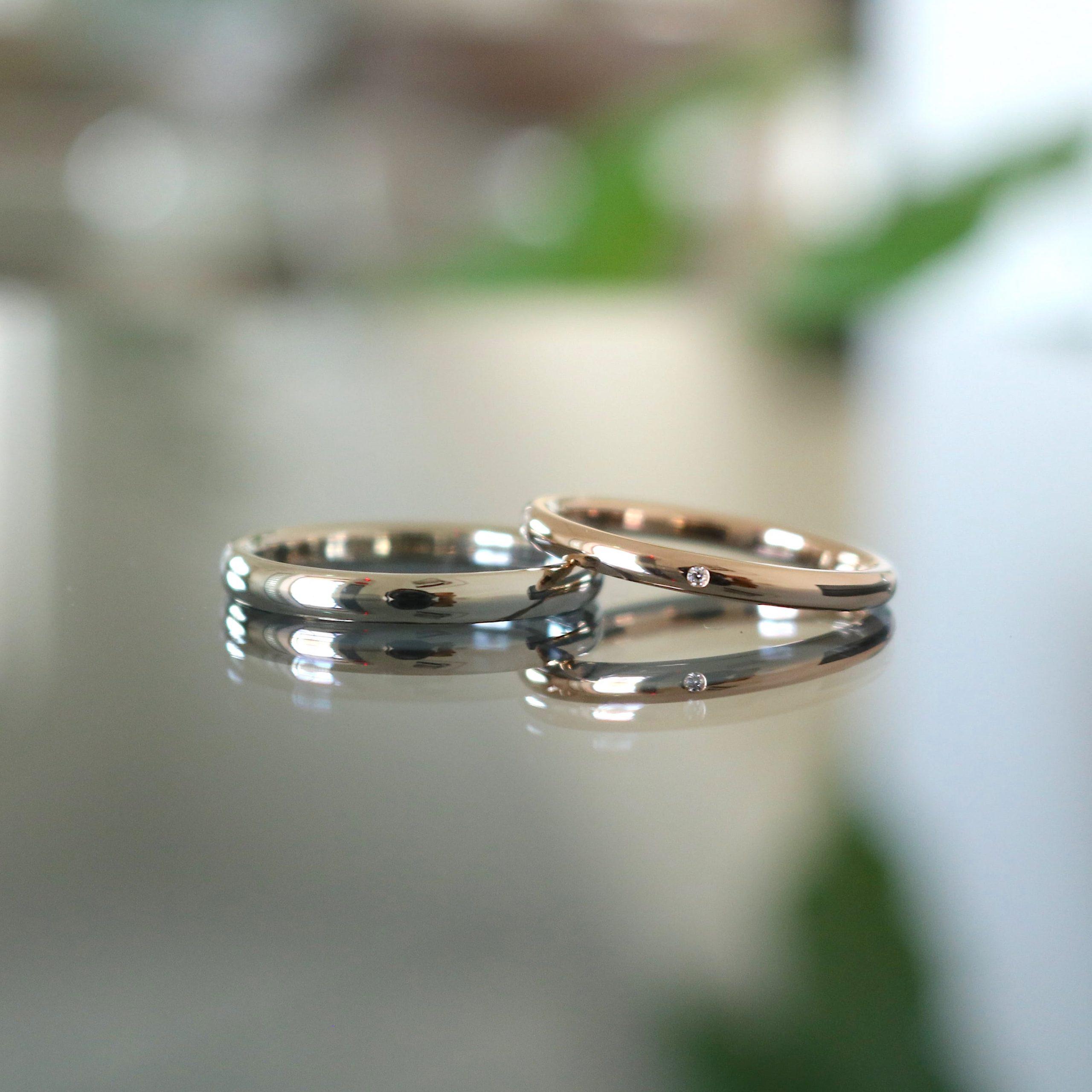 シンプルな甲丸な細身の結婚指輪