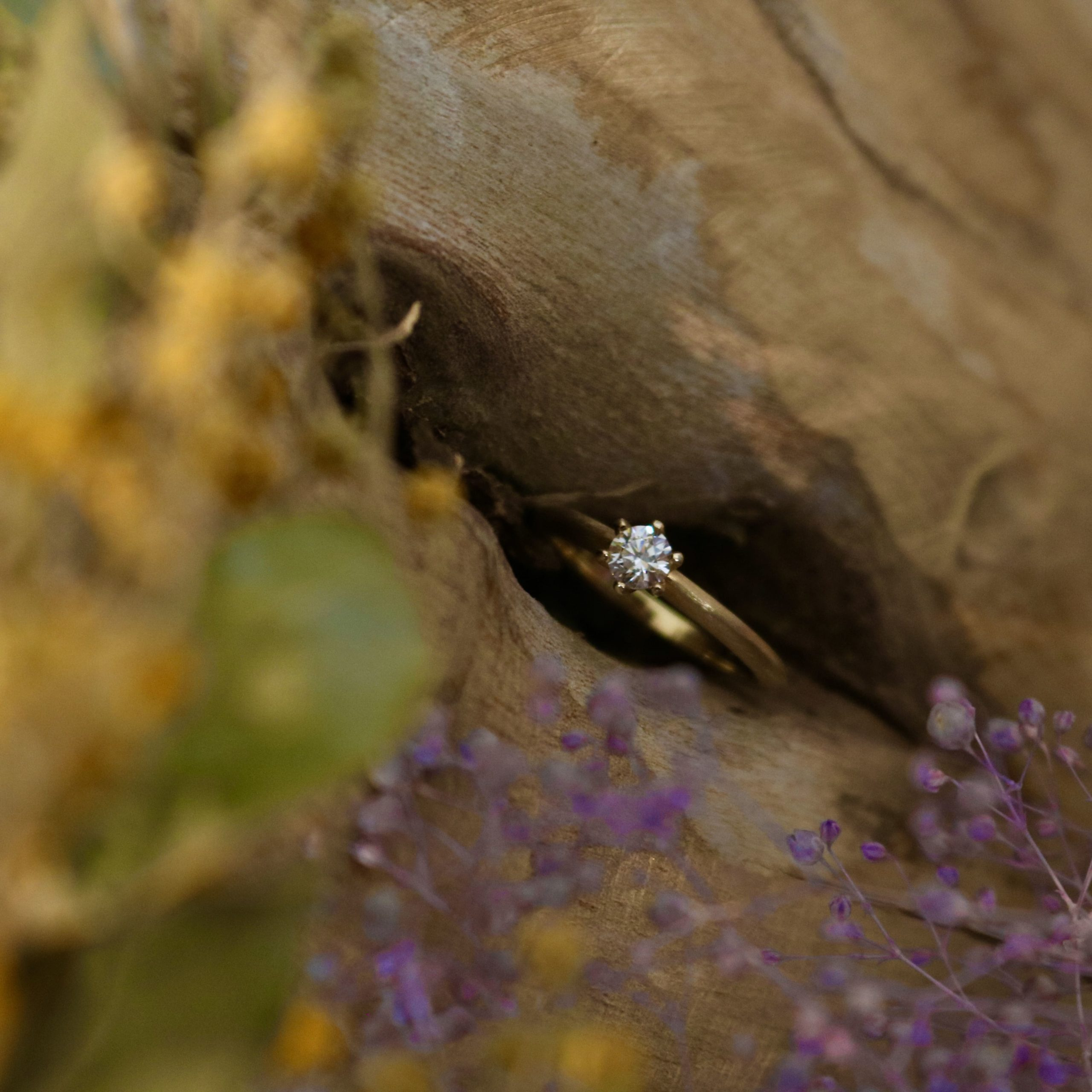 イエローゴールドのオーダーメイドの婚約指輪